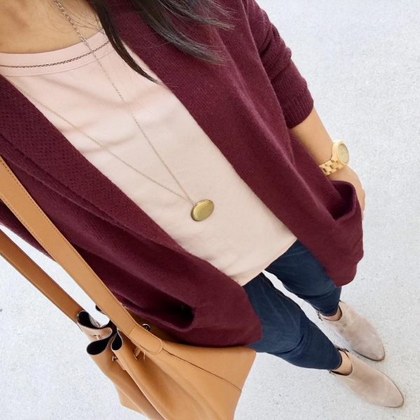 fall outfit: maroon cardigan + pink top + ankle boots