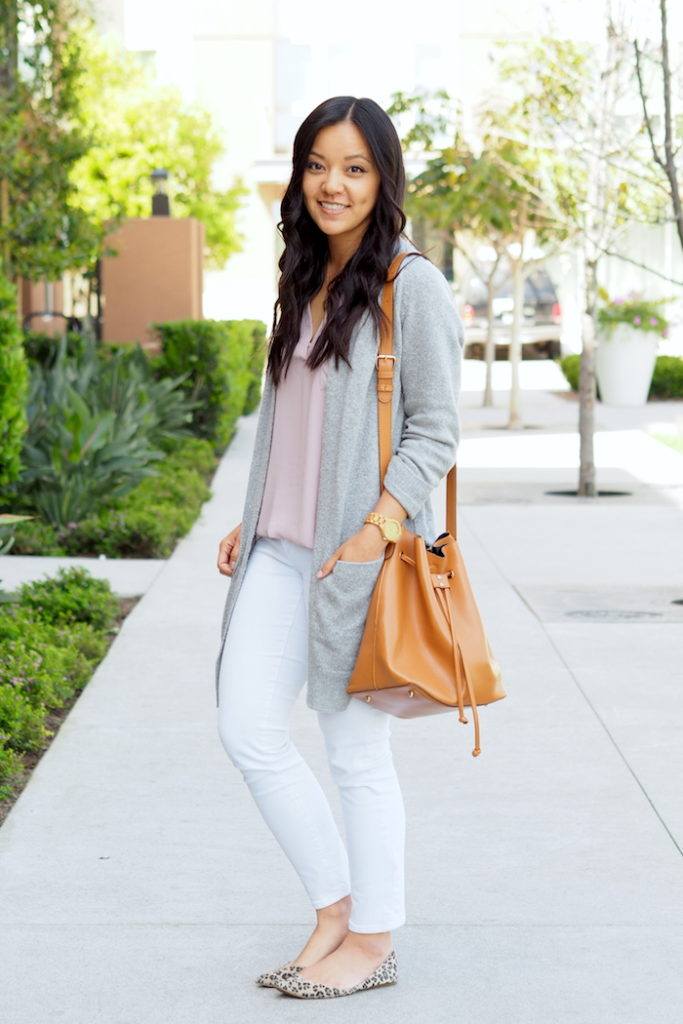 white jeans outfit for spring