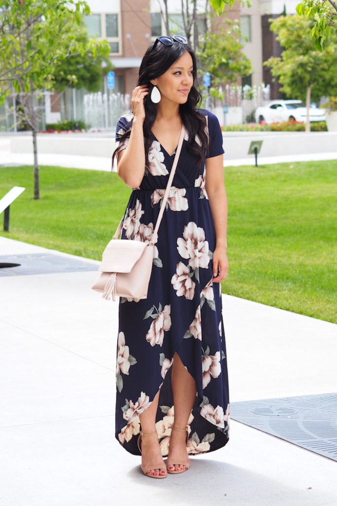 1e6a1b0f81a44 Let's talk about empire waist dresses for a moment. I've already shown this  dress in Instagram roundups, and besides how stretchy and comfy it is, ...