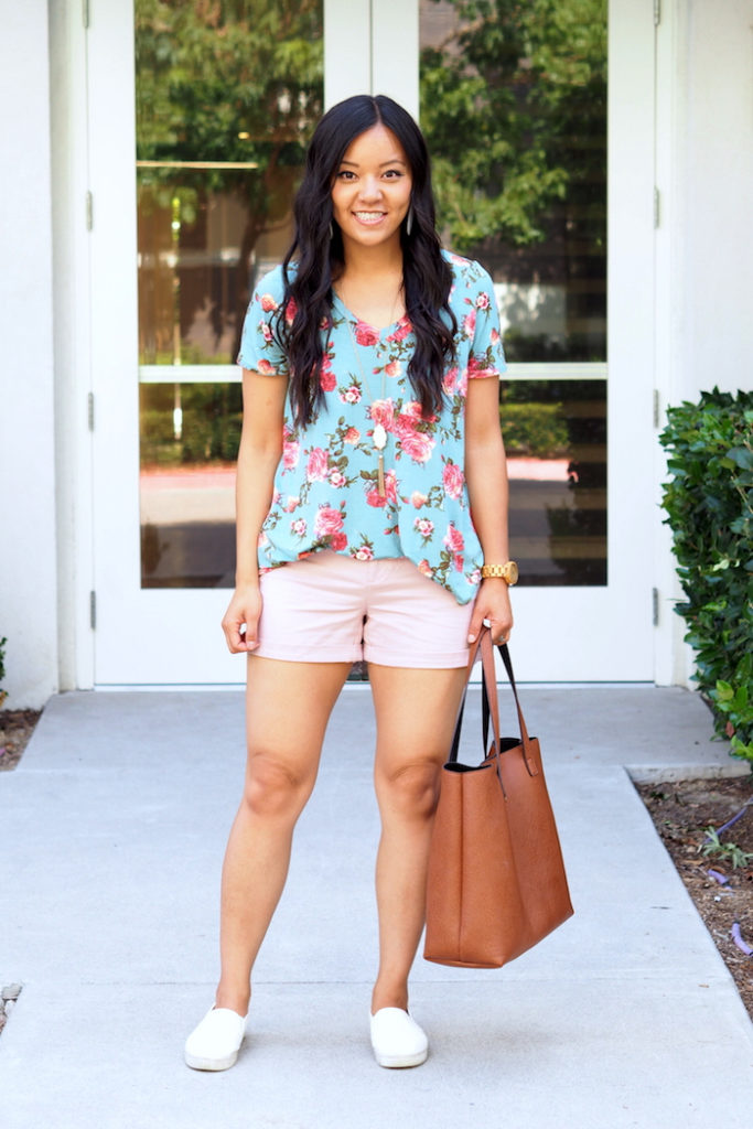 summer outfit: blue floral print top + pink shorts