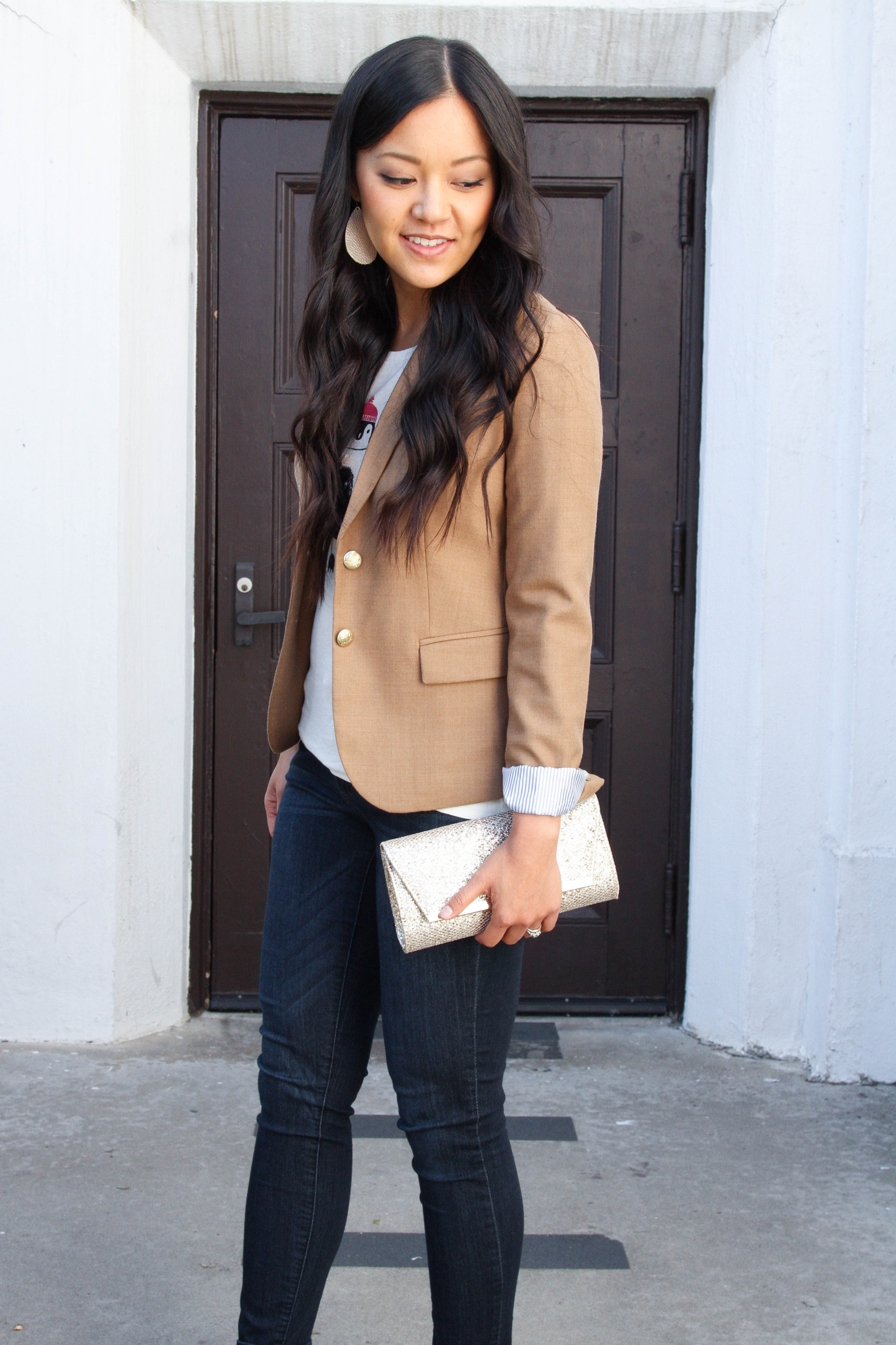 Tan Blazer + Skinnies + gold clutch + tee