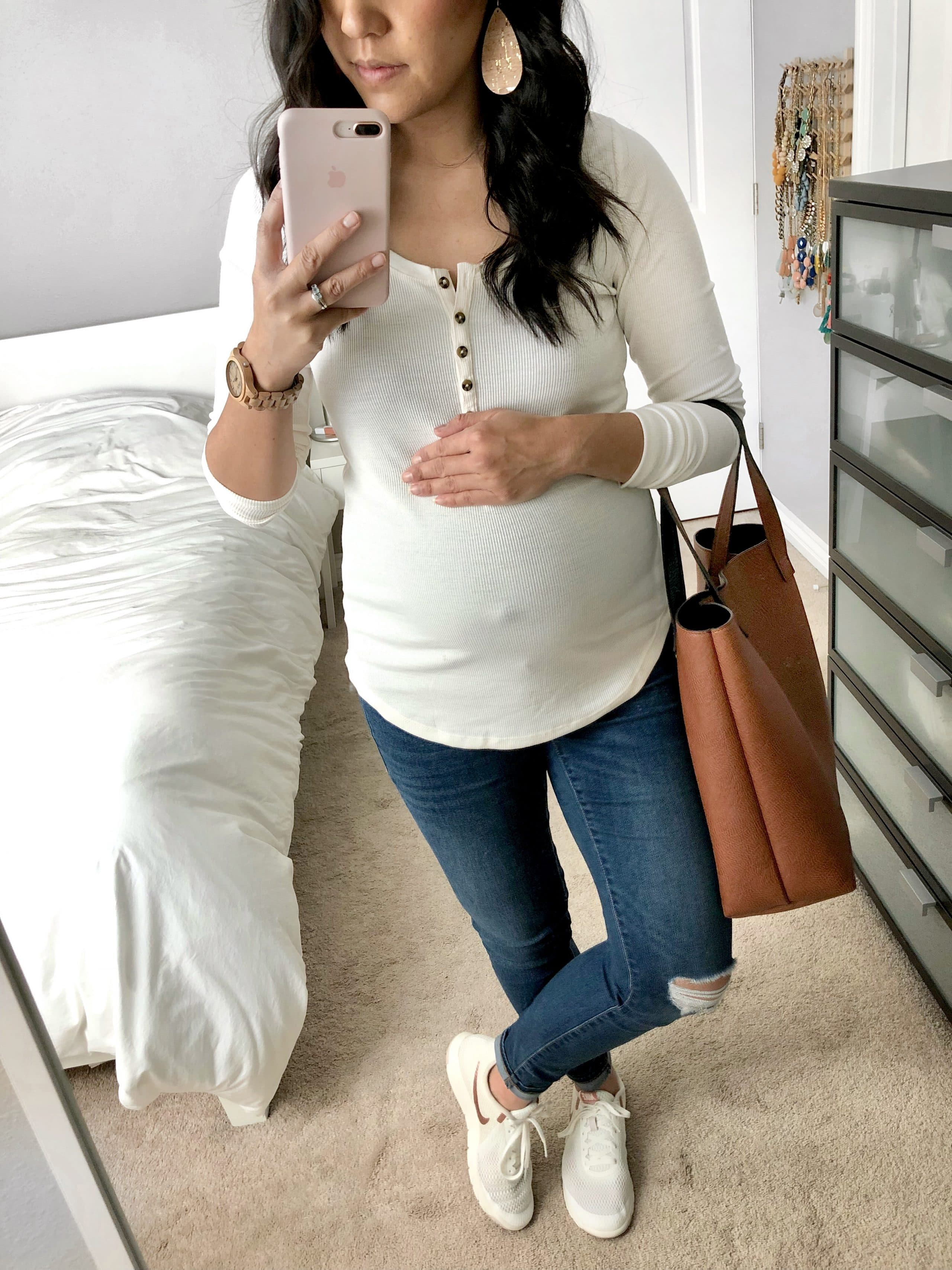 White Henley + White Sneakers + Distressed Jeans + Tote