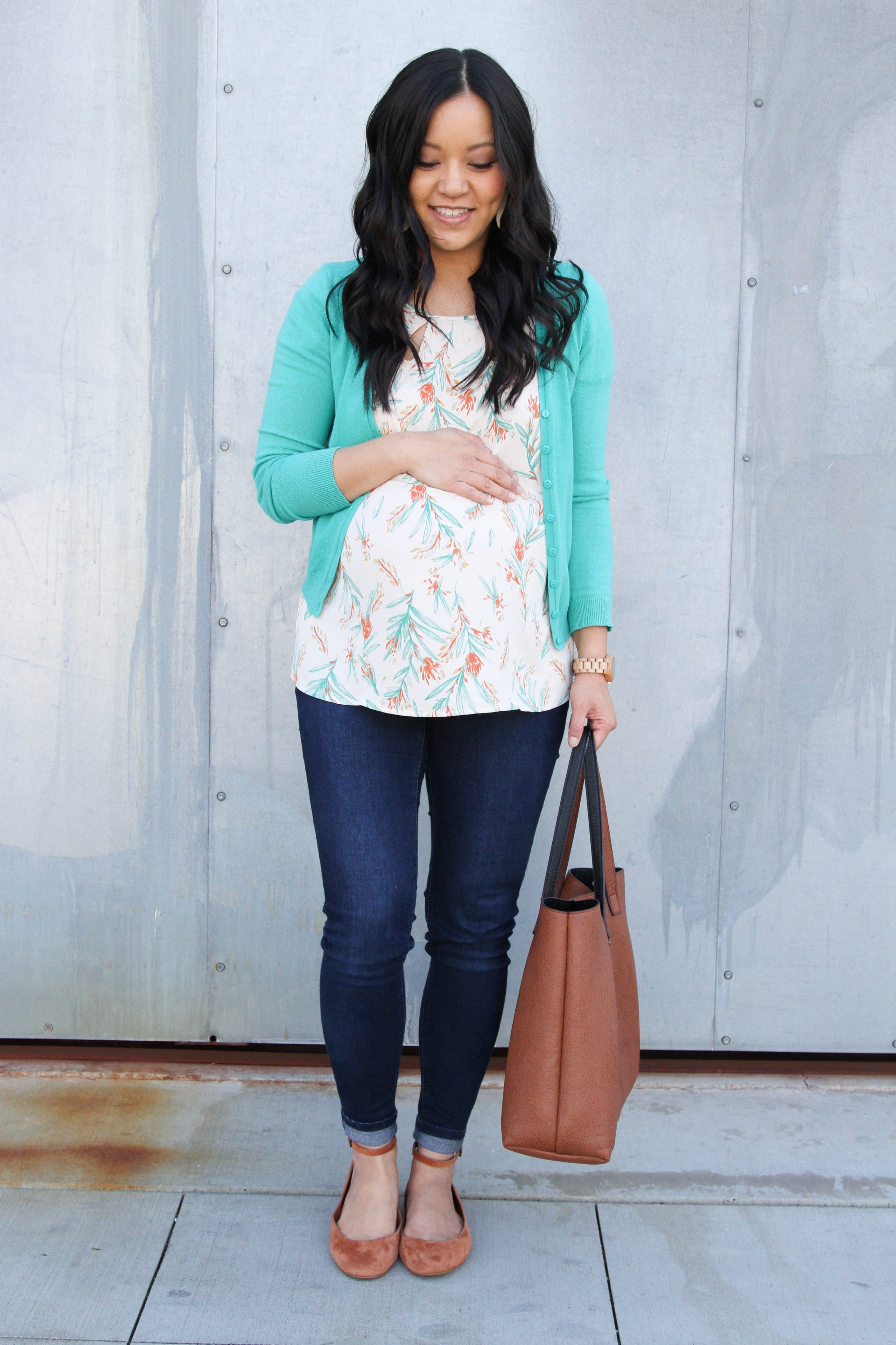 green cardigan + jeans + nude flats + floral print top