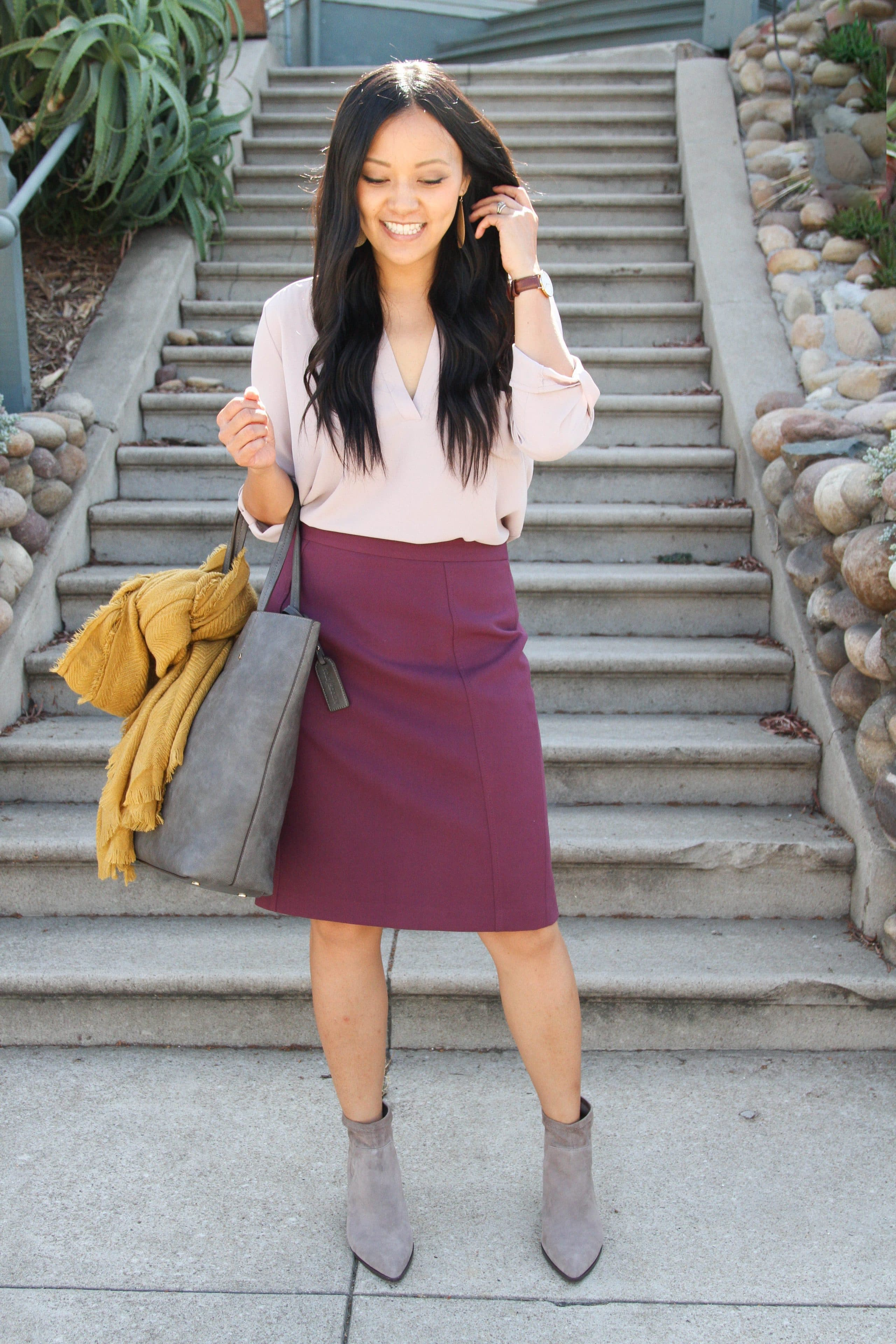 Fall Business Casual: blush top + pencil skirt + tote + heeled booties