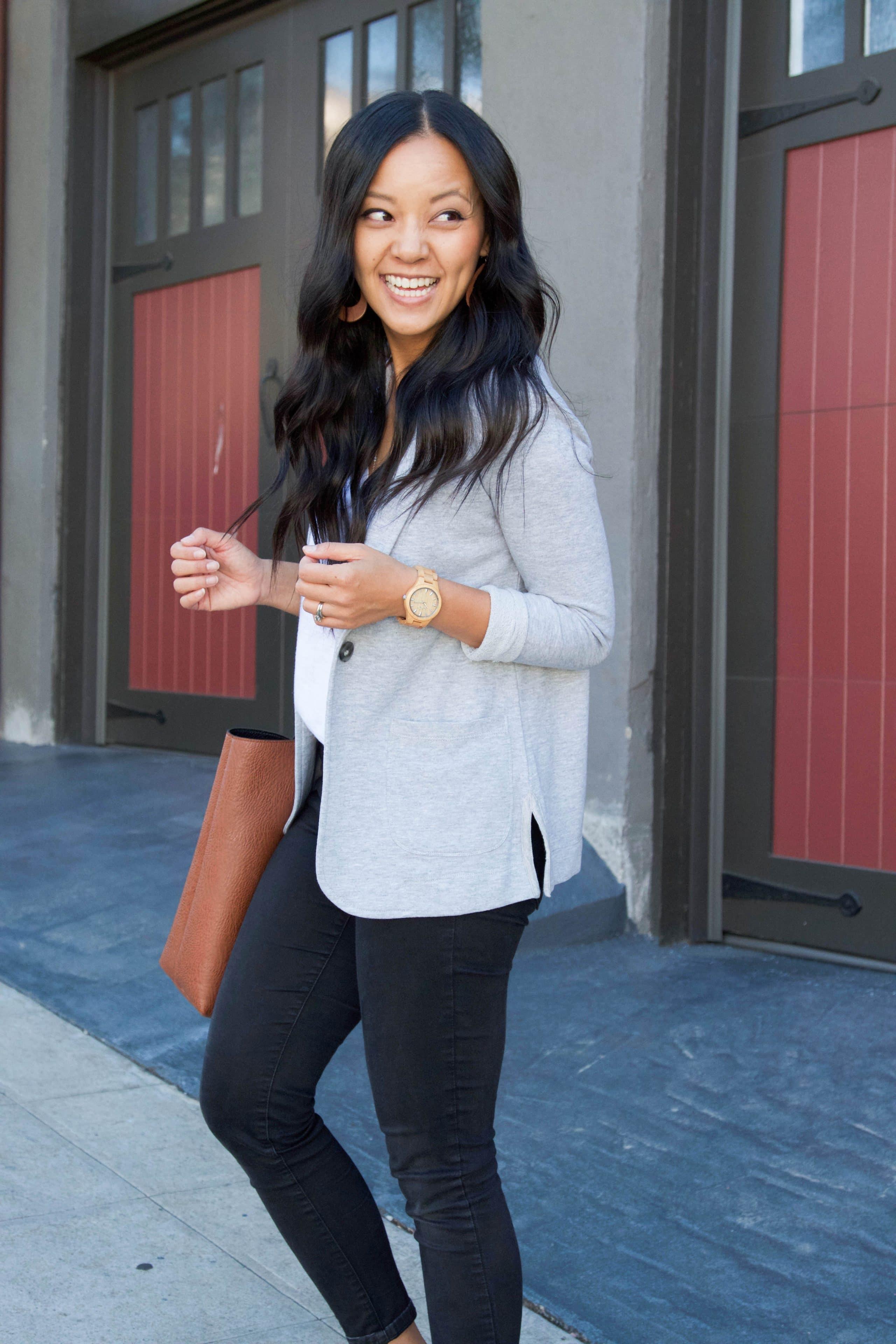 Gray Blazer + Skinny Jeans + Tote