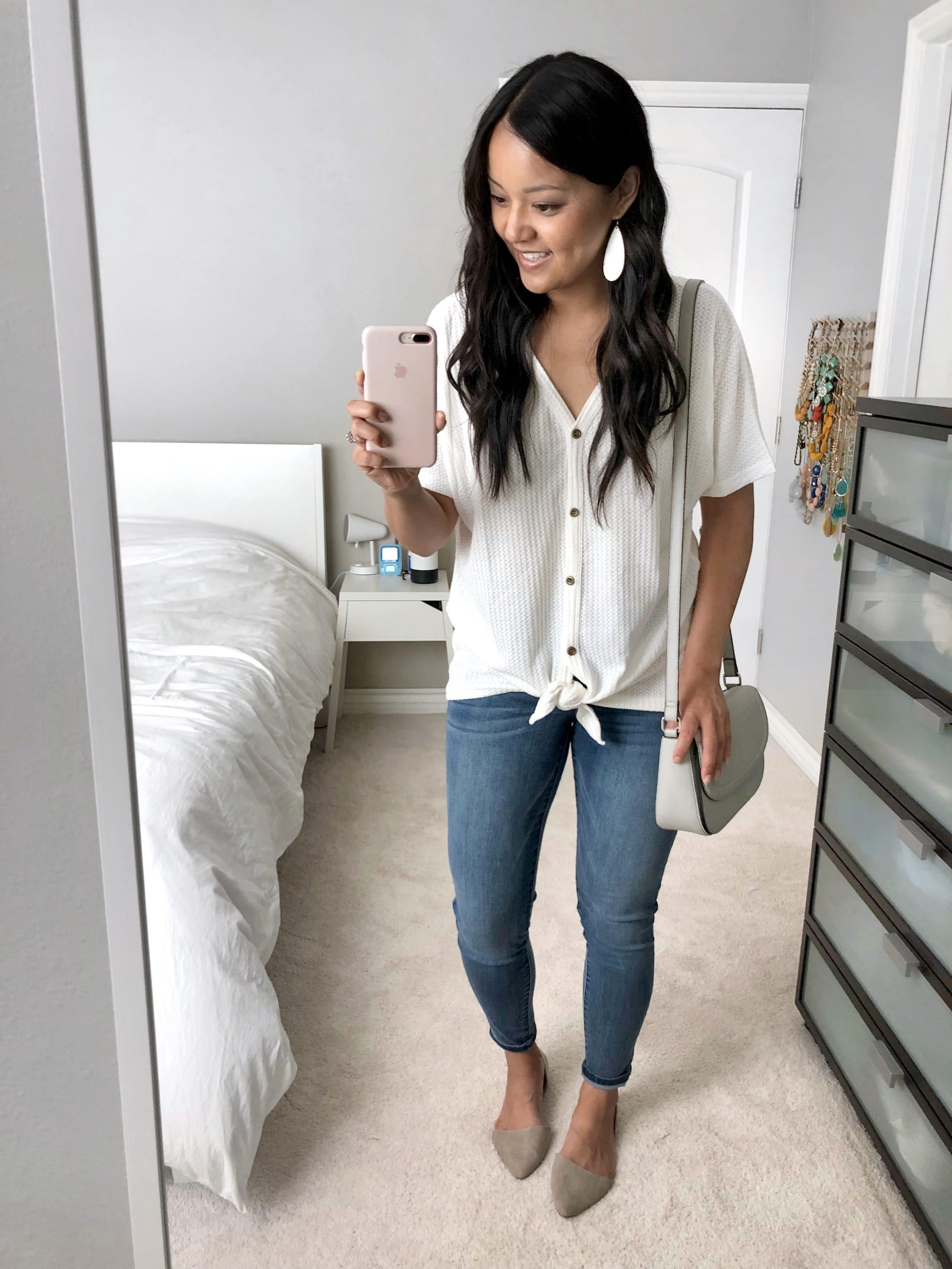 Waffle Tee + Skinnies + Taupe Flats + White Earrings + Gray bag