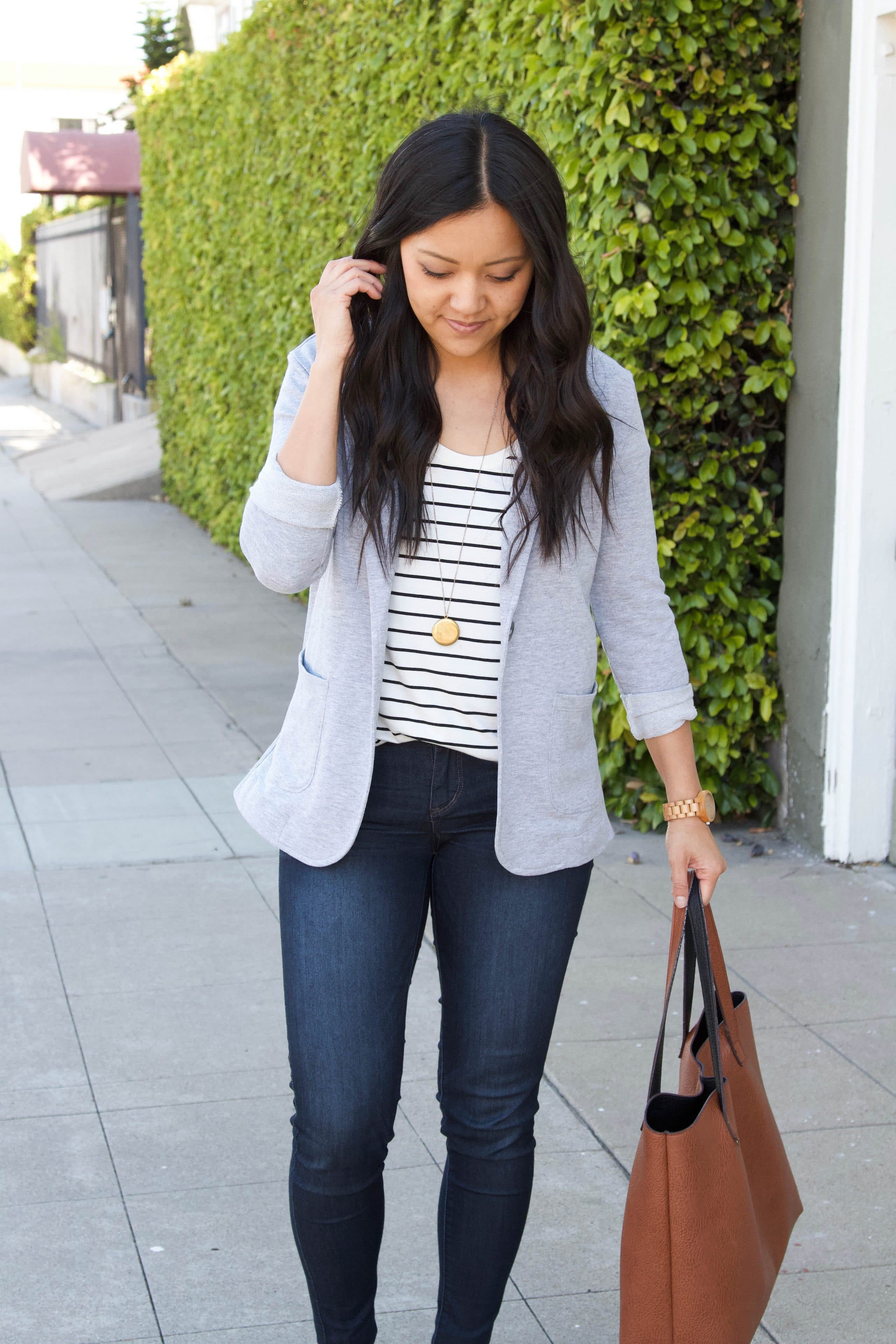 grey knit blazer + striped tee + skinny jeans + brown tote