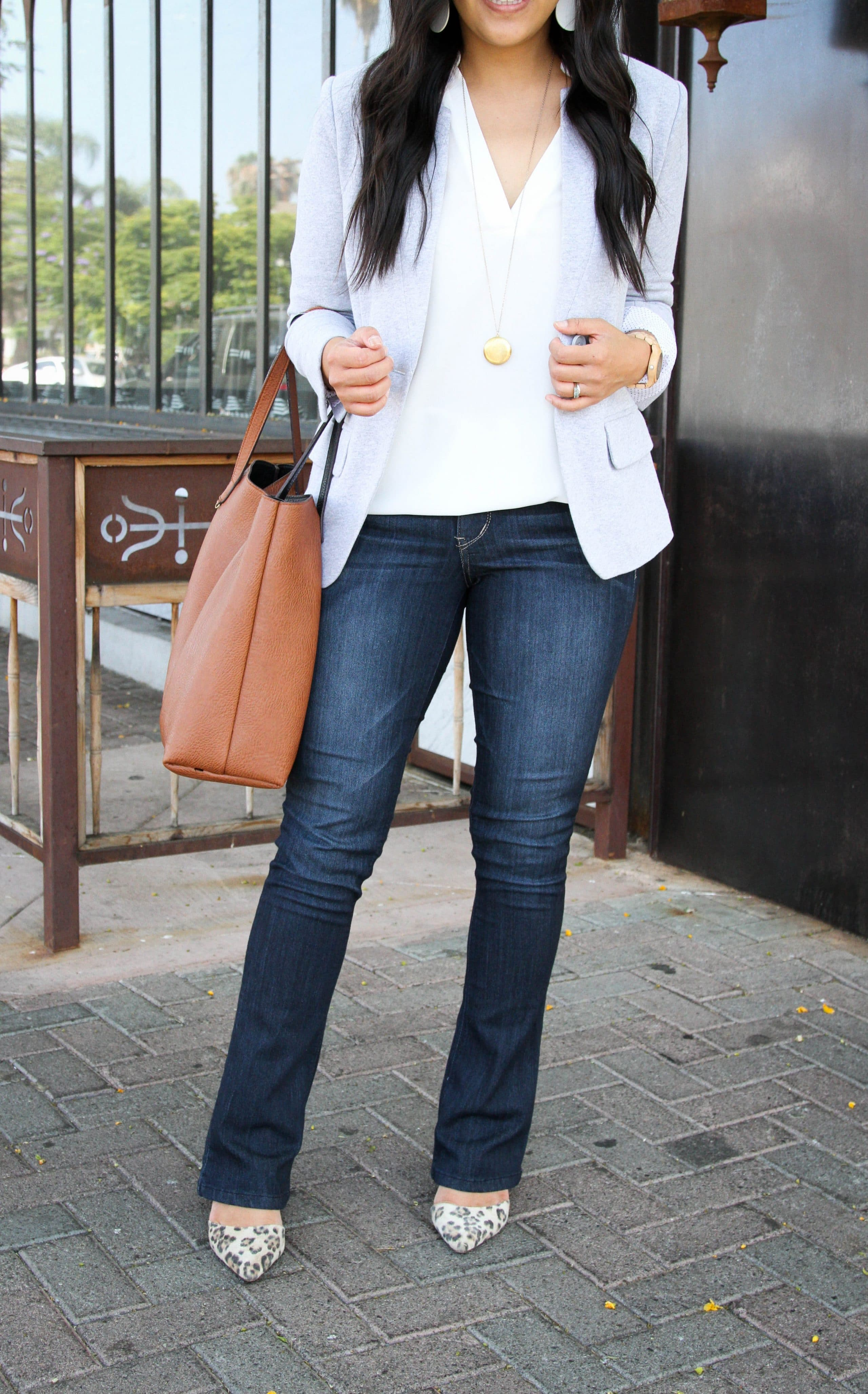 business casual + white tunic + knit blazer + bootcut jeans + leopard print heels
