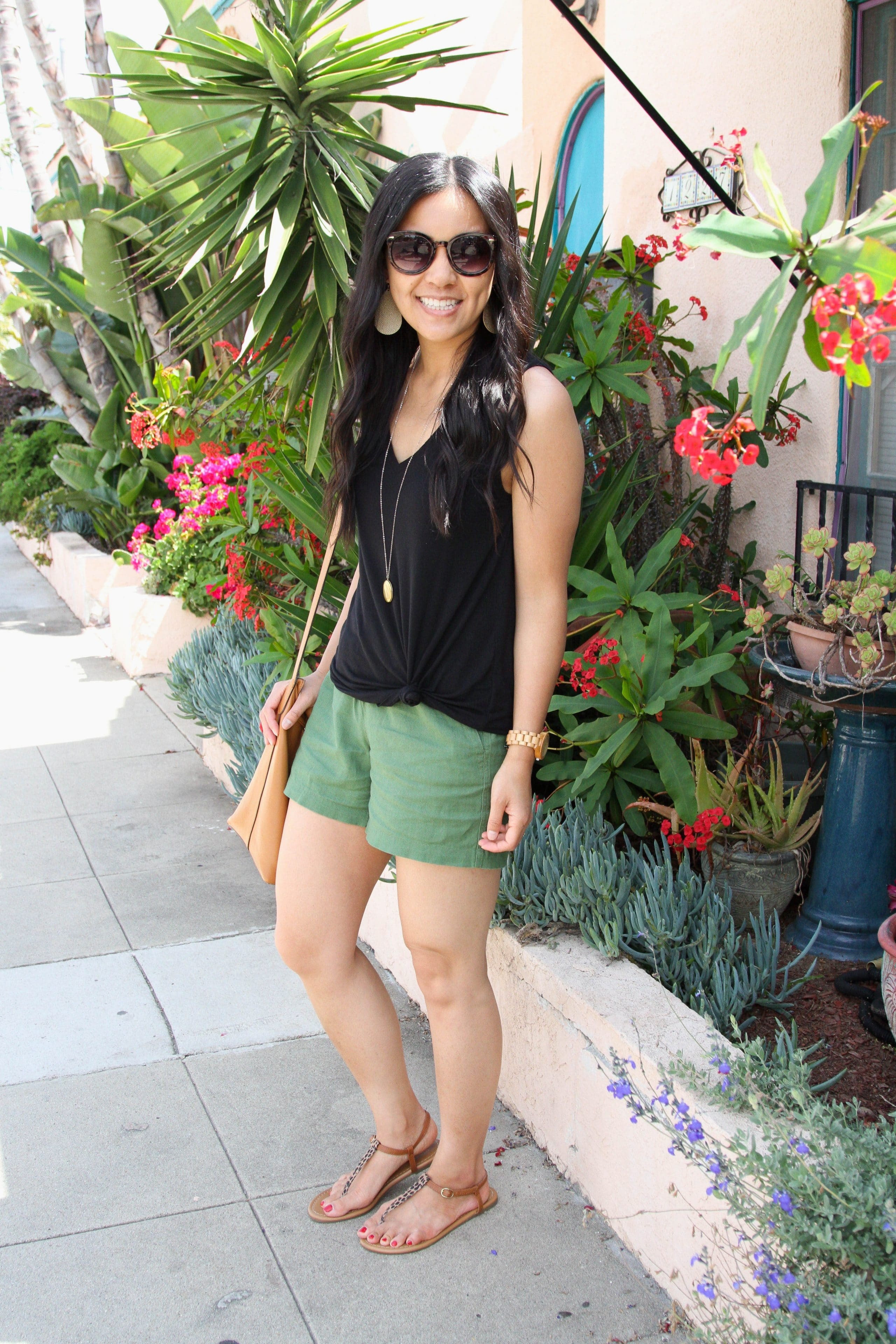 black tank top + olive shorts + leopard print sandals + brown tote + long pendant necklace