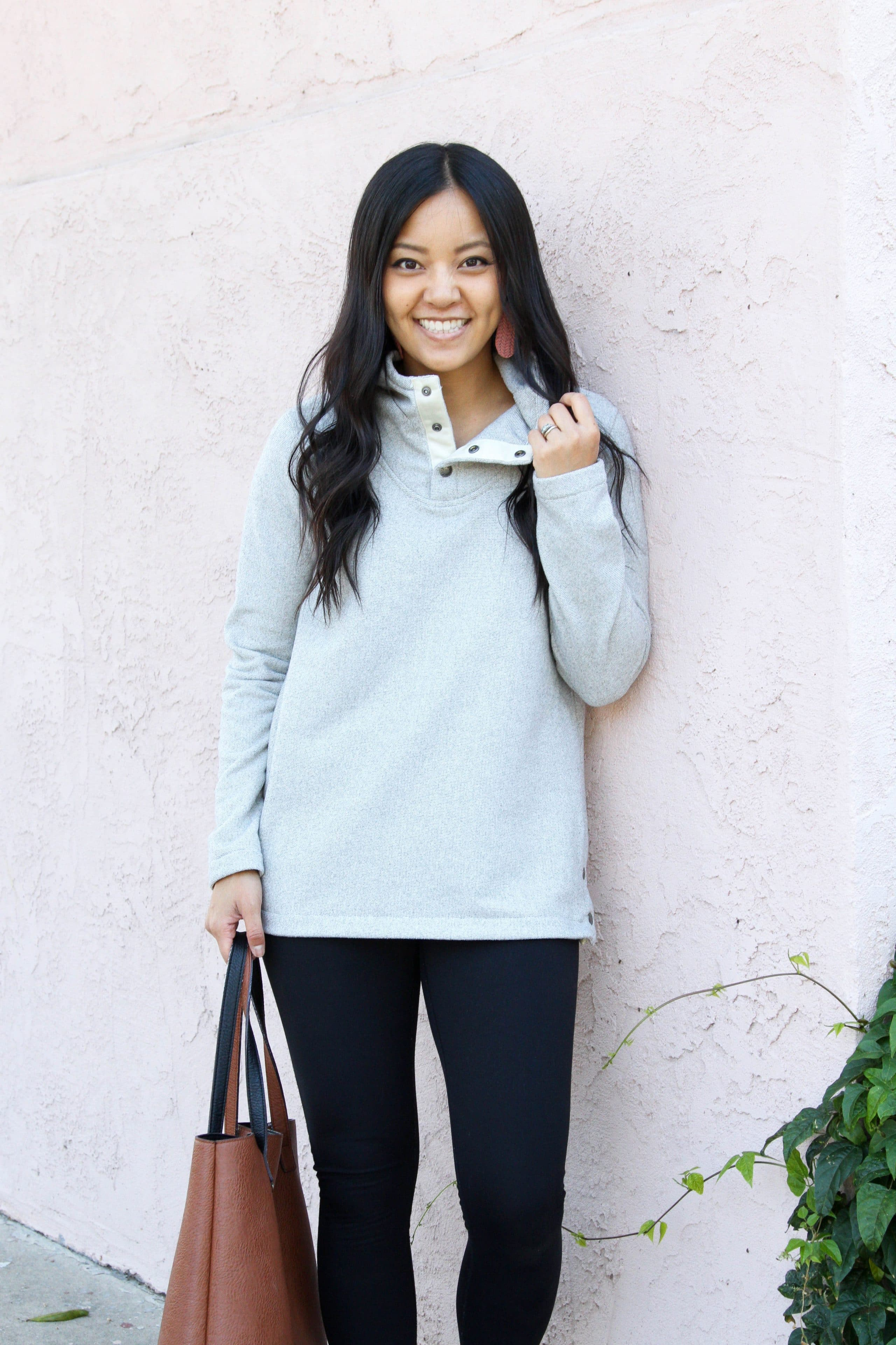 grey fleece + black leggings + brown tote