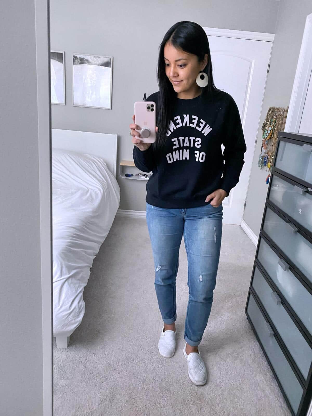 Old Navy Review: weekend state of mind black sweatshirt + distressed jeans + white earrings + white slip-on sneakers
