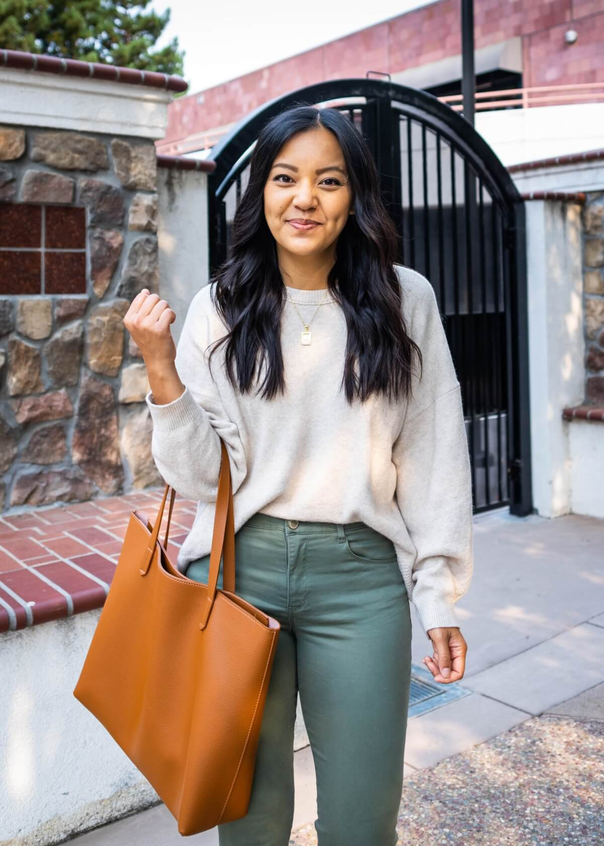 Comfy Casual Work Outfit: Treasure & Bond cream sweater + Wit & Wisdom olive green ankle pants + gold pendant necklace + tan tote